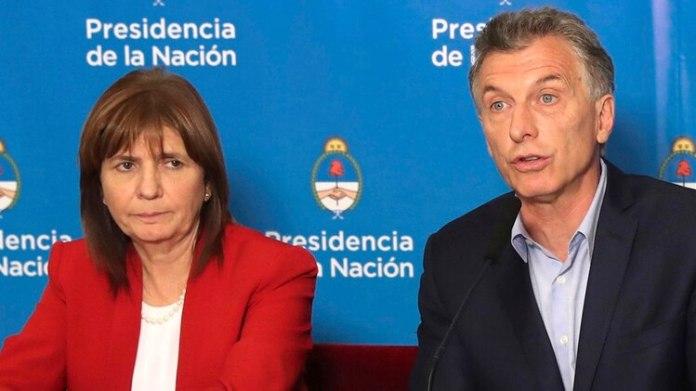 Patricia Bullrich, junto a Macri. La ministra de Seguridad es otra de las impulsoras de la iniciativa (foto NA)
