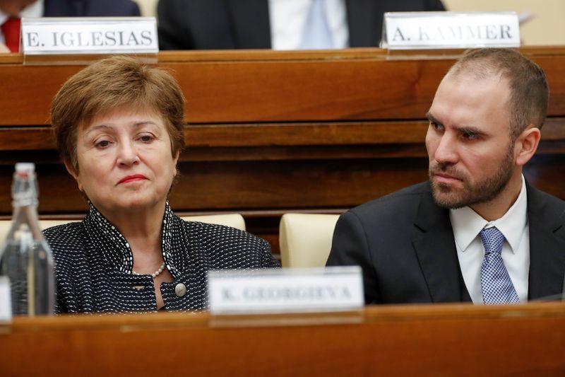 La directora gerente del FMI, Kristalina Georgieva, y el ministro de Economía de Argentina, Martin Guzmán, dialogaron en el Vaticano