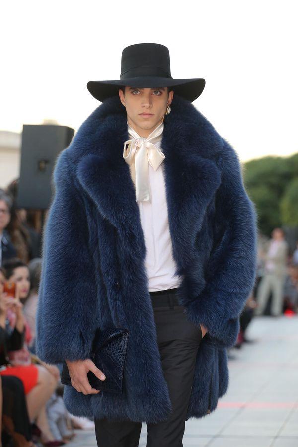 Los sombreros y los tapados fueron las piezas claves de la colección masculina