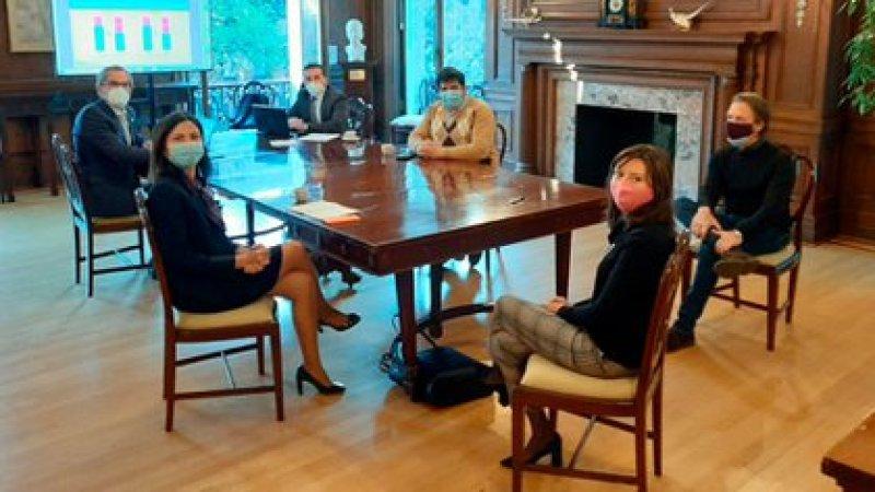 Diego Bastourre, secretario de Finanzas, con Sergio Chodos, reunidos en Washington con el FMI esta semana
