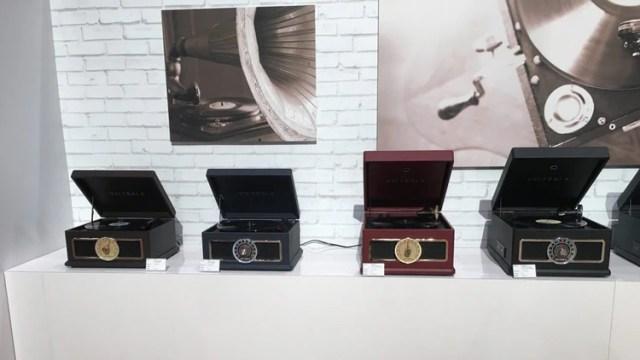 Variedad de tocadiscos Victrola