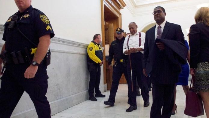 Bill Cosby fue sentenciado por drogar y violar a una mujer en 2004 (Reuters)