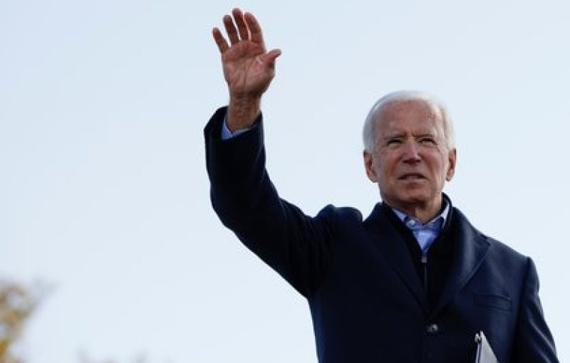Democratic U.S. presidential nominee and former Vice President Joe Biden waves during a drive-in campaign stop, in Des Moines, Iowa, U.S., October 30, 2020.   REUTERS/Brian Snyder