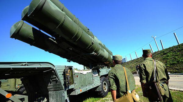 El moderno S-400 tiene la capacidad de interceptar aeronaves y misiles balísticos en un radio de 400 kilómetros, es decir cualquier punto de Siria (Tass)