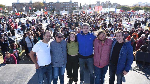 Juan Grabois, con Máximo Kirchner, Mariano Recalde y otros dirigentes del Frente Patria Grande