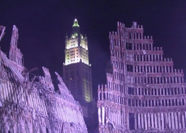 WTC tras el ataque (Foto: Flickr/ Jason Scott)
