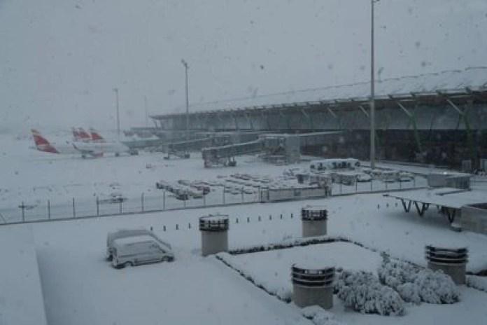 Vista general de aeropuerto de Barajas (REUTERS/Susana Vera)