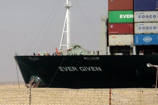 El buque Ever Given tras ser reflotado en el Canal de Suez (REUTERS/Mohamed Abd El Ghany)