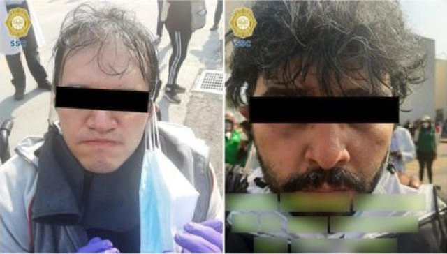 Los hombres sí recibieron la vacuna, sin embargo una trabajadora sospechó de su actitud sospechosa y fueron detenidos por la policía Foto: (SSC CDMX)