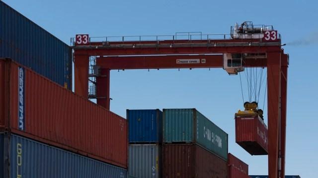 El aumento de las exportaciones de manufacturas no logra compensar el efecto de la contracción del mercado interno (Adrián Escandar)