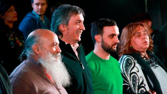 Los movimientos sociales negocian, entre otros con Máximo Kirchner los puestos en las listas de la provincia de Buenos Aires.