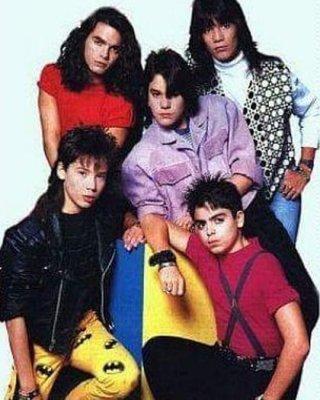 Rawy, abajo a la derecha, abandonó la famosa agrupación luego del escandaloso episodio del aeropuerto de Miami (Foto: Archivo)