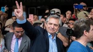 Alberto Fernández esta mañana después de votar (Foto: Adrián Escandar)