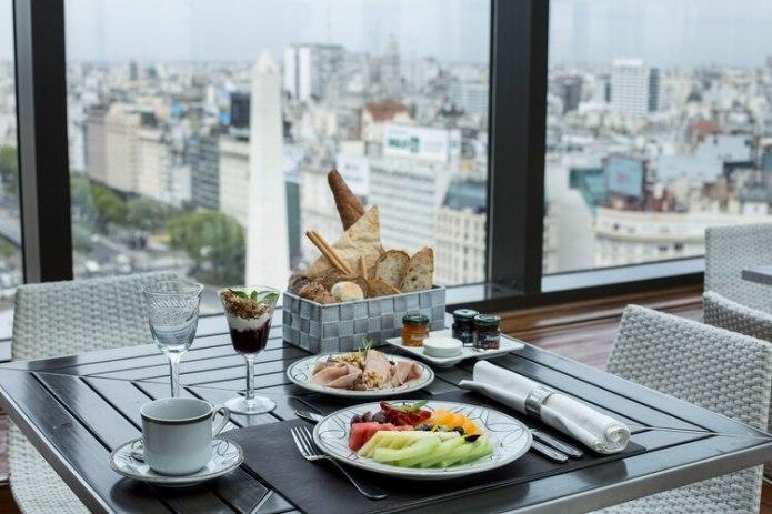 Las mejores vistas a la ciudad desde el hotel están en el Panamericano