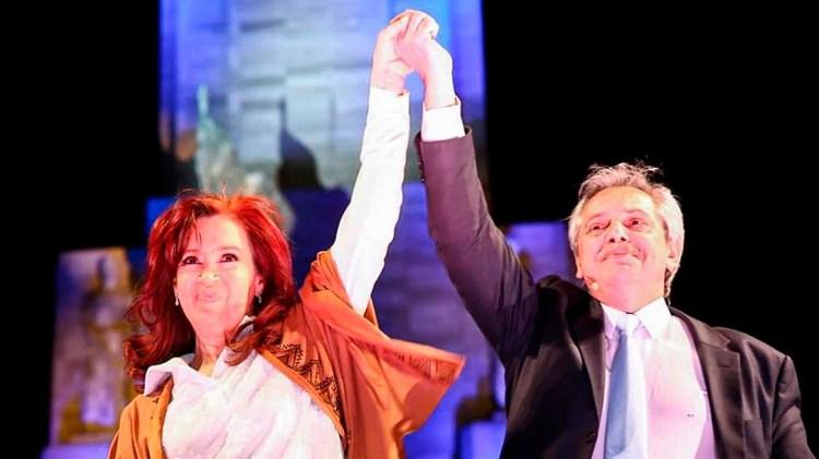 Cristina Kirchner y Alberto Fernández, ayer, en Rosario