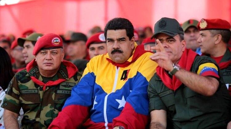 Disdodado Cabello, Nicolás Maduro y Padrino López, la cúpula del régimen