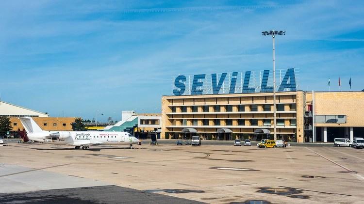 El Aeropuerto de Sevilla (Shutterstock)