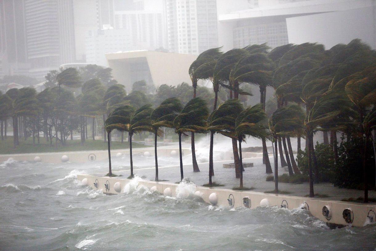 Biscayne Bay, Miami, es azotado por el huracán Irma en el 2017. (AP Photo/Wilfredo Lee)