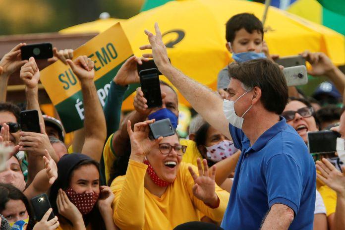 Pese a la situación de Brasil, Bolsonaro sigue rechazando las medidas de distanciamiento social y confinamiento (REUTERS/Adriano Machado)