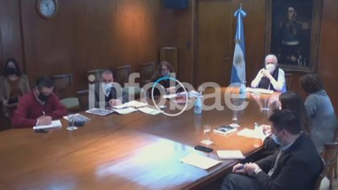 The Minister of Health Ginés González García led the meeting to announce the draft of the new regulation of the medical cannabis law