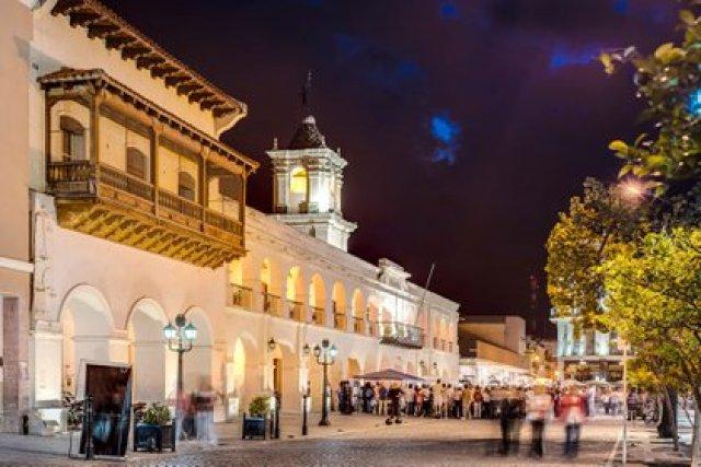 El estilo antiguo y las tradiciones religiosas convocaron a muchos turistas a Salta, Tucumán y Jujuy
