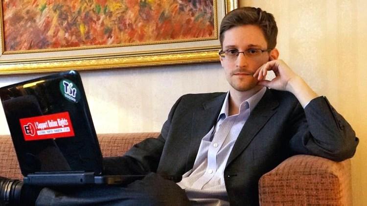 Edward Snowden, subcontratista de la CIA, dio a conocer miles de documentos en los que probaba que la agencia estaba espiando a los ciudadanos estadounidenses y de buena parte del mundo.