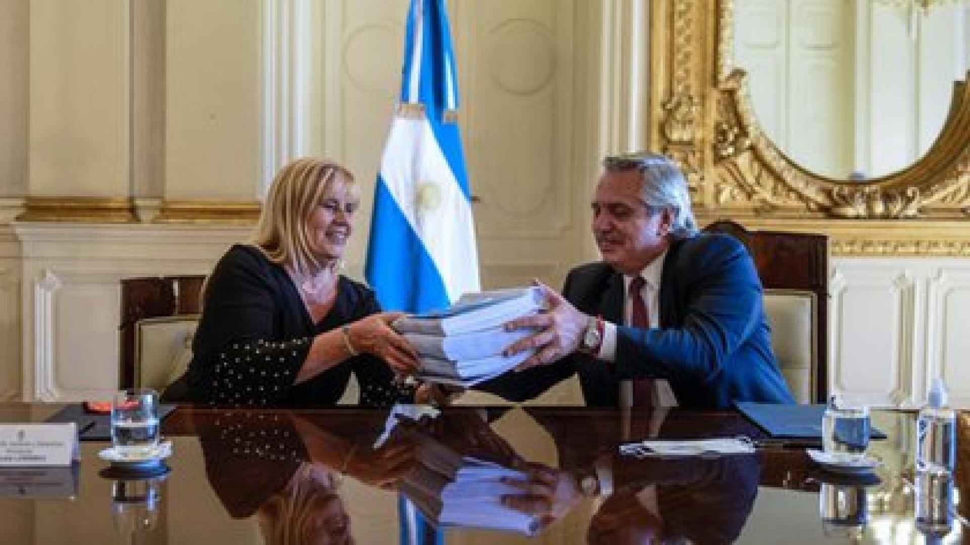 En Gobierno cuestionaron la salida de Marcela Losardo