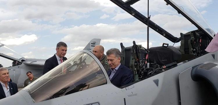 Mauricio Macri durante la presentación de los nuevos aviones Pampa III de la Fuerza Aérea (foto de archivo)