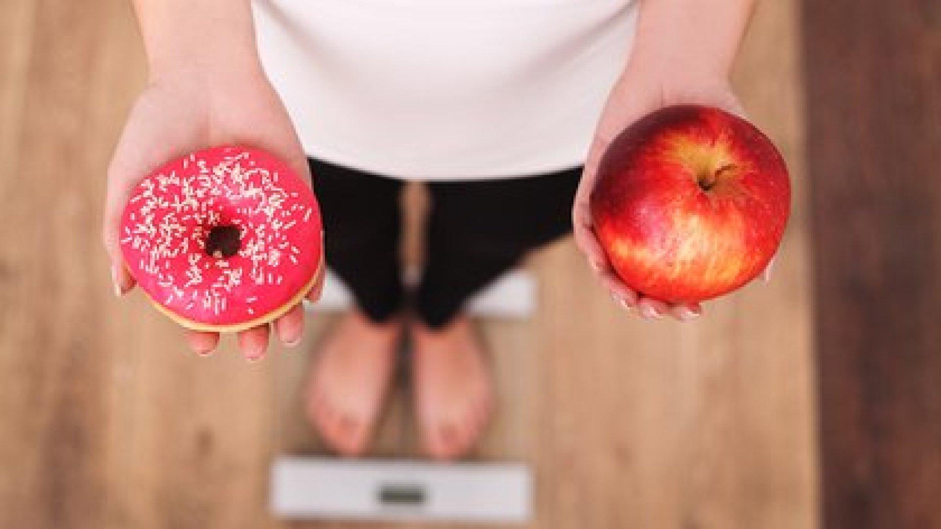 En 2016, 41 millones de niños menores de cinco años tenían sobrepeso o eran obesos en el mundo, según la OMS (Shutterstock)