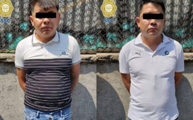 Los dos presuntos narcomenudistas fueron detenidos en inmediaciones del Barrio Bravo (Foto: SSC-CDMX)