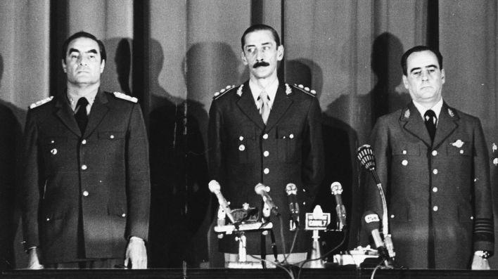 La Junta Militar que encabezó el golpe de estado de 1976 e instauró una sangrienta dictadura: Emilio Massera, Jorge Rafael Videla, Orlando Agosti (Getty)