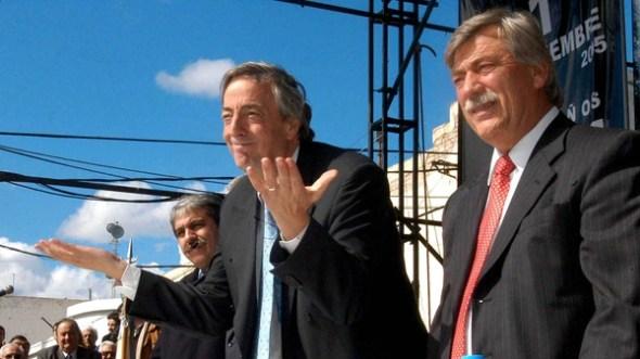 Cuando Néstor Kirchner era presidente, fue a visitar Roca, donde Soria era intendente (N.A).