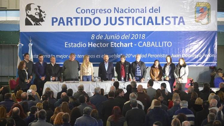 El último Congreso Nacional del PJ en el estadio de Ferro (Gustavo Gavotti)