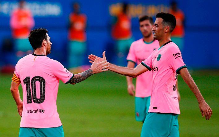 Busquets y Messi, juntos. Una sociedad de éxito (EFE/ Enric Fontcuberta)