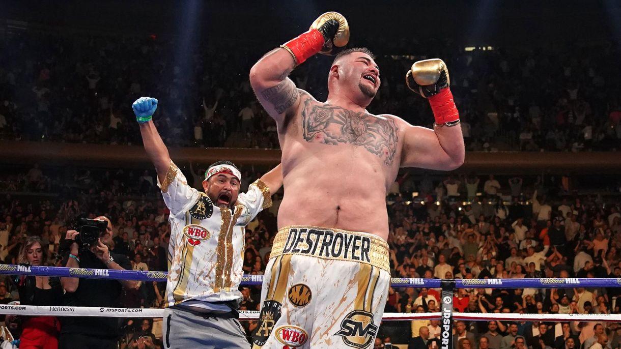 El mexicano Andy Ruíz Jr. sorprendió al mundo del boxeo al noquear a Anthony Joshua (AFP)
