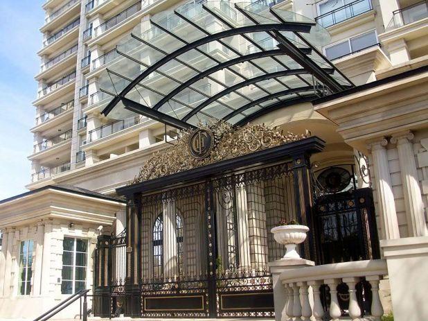"""El departamento ubicado en el edificio """"Chateau Puerto Madero"""" está a nombre de Sergio Todisco,"""