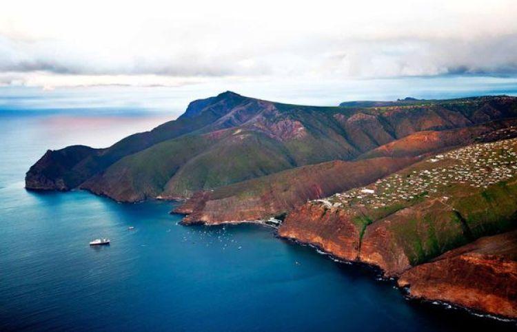 Una panorámica de la isla Santa Elena