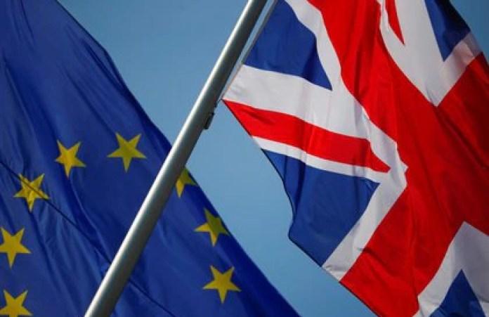 El Reino Unido finalmente cortará lazos con la Unión Europea  (REUTERS/Hannibal Hanschke)