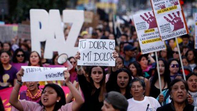 (Cristina VEGA / AFP) Marcha en contra de la violencia de género.