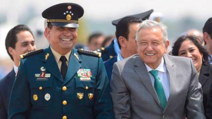 El presidente Andrés Manuel López Obrador junto al Secretario de Defensa, Luis Crescencio Sandoval (Foto: Cuartoscuro)