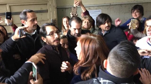 Cristina Kirchner en una de sus idas a Tribunales (Enrique Medina)