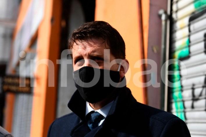 Alan Ruiz entrando a los tribunales de lomas de Zamora
