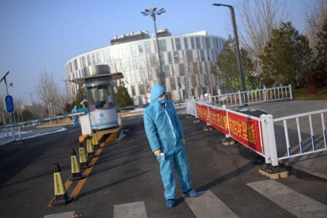 Medidas de seguridad por el coronavirus en Beijing, China, el 10 de febrero de 2020 (REUTERS/Tingshu Wang/File Photo)