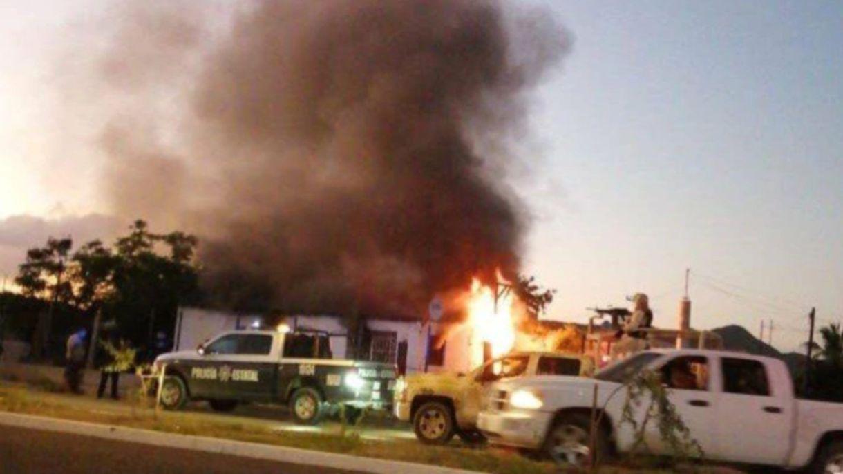 El pasado martes, un grupo de sicarios entró a una casa, levantó a un hombre y quemó a los demás integrantes, entre ellosdos menores de edad (Foto: Especial)