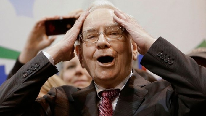 Warren Buffett (AP)