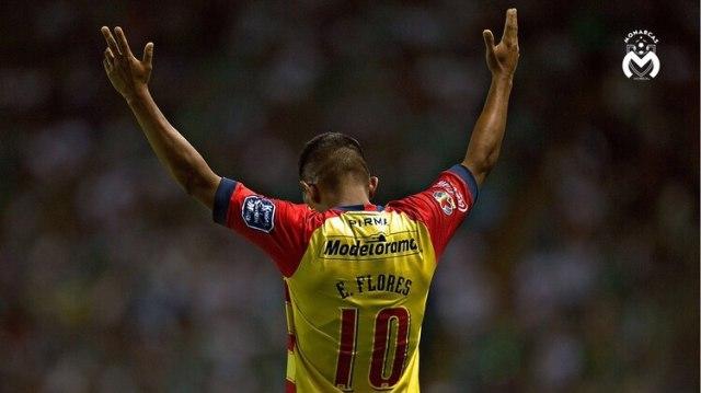 Edison Flores festajndo el gol con sabor a semifinal (Foto: Twitter @FuerzaMonarca)