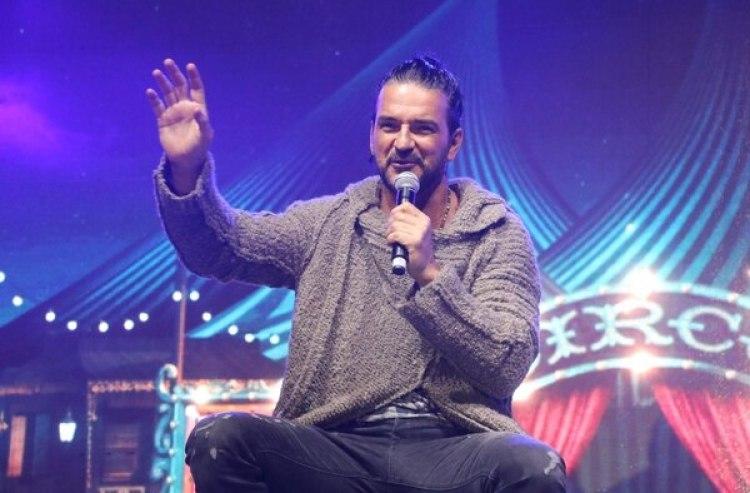 """Se realizó una denuncia por """"retención indebida"""" de los instrumentos y equipos de Arjona en el DirecTV Arena"""