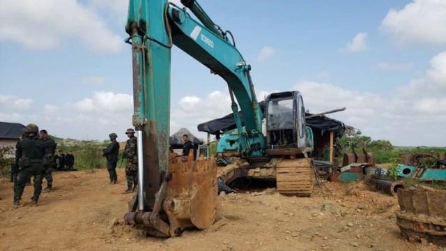Centro de explotación ilícita de yacimientos mineros en la zona rural de El Bagre y Nechí donde realizaban trabajos ilegales Los Caparrapos.
