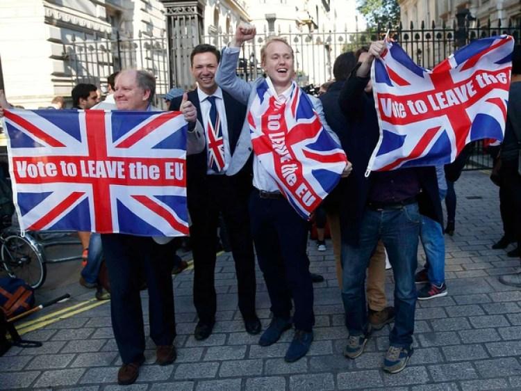El Brexit marcó un cambio de época en Europa. En la foto activistas a favor de la salida de Gran Bretaña de la UE (Reuters)