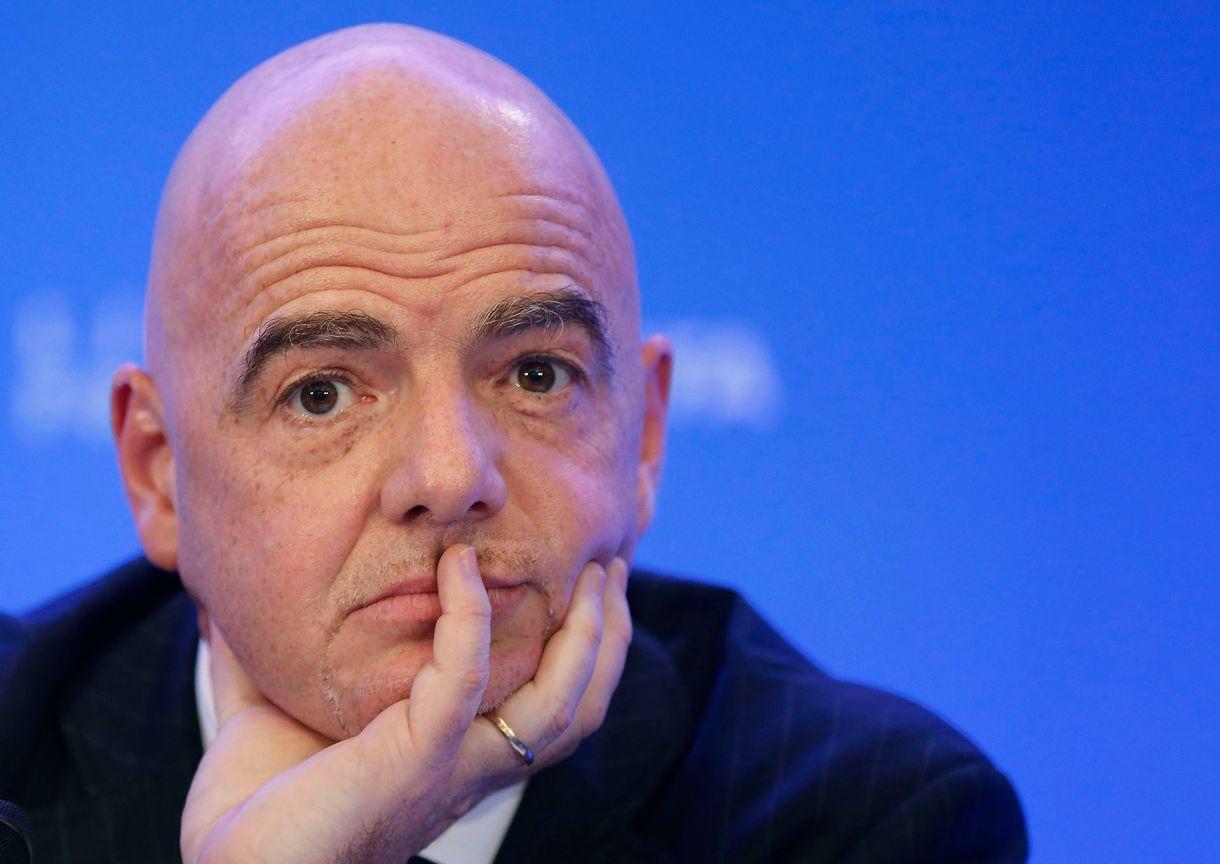 Gianni Infantino, presidente de la FIFA, está ante el desafío de garantizar una Copa del Mundo que respete el código de ética de su entidad (AFP)